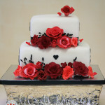Romantic Roses in Shades of Red {Mount Isa Wedding Cake}