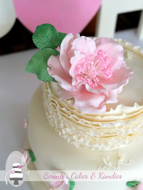 Large, soft pink open rose statement flower  |  Bonnie's Cakes & Kandies