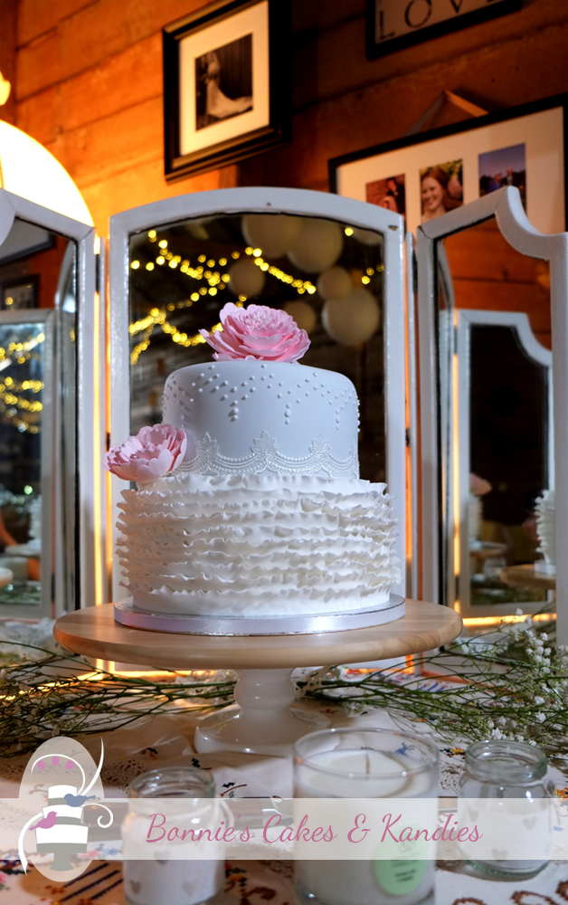 Wedding cake at Kenilworth Homestead by Bonnie's Cakes & Kandies