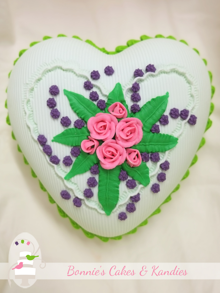 Candy Queen Heart in spearmint flavour | Bonnie's Cakes & Kandies
