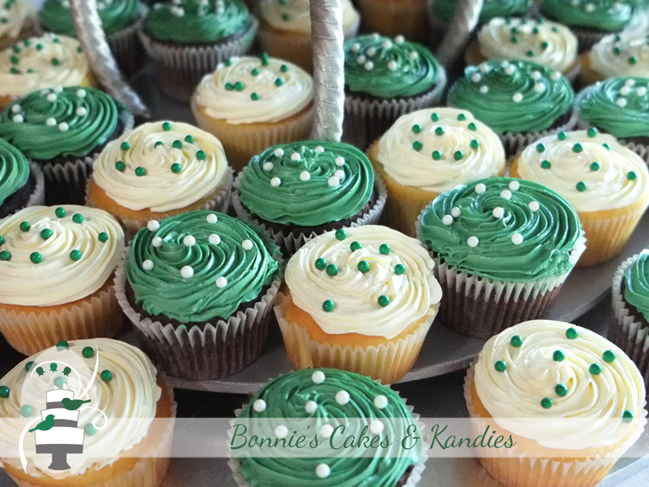 Vanilla sponge and dark chocolate mud cupcakes | Bonnie's Cakes & Kandies