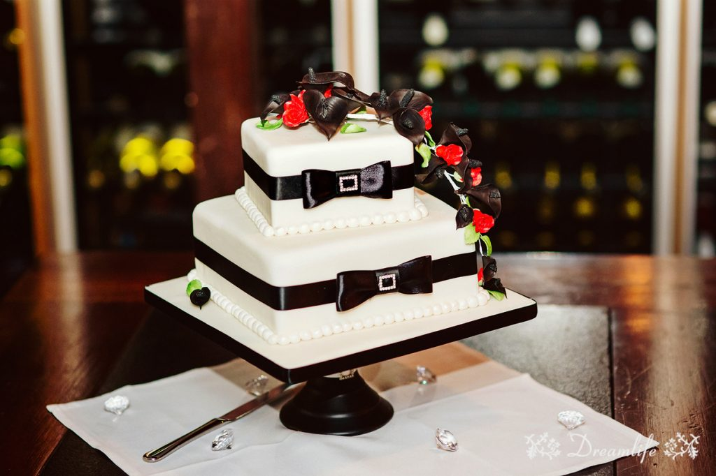 Cake: Bonnie's Cakes & Kandies. Photo credit: Dreamlife Photos & Video (Brisbane)