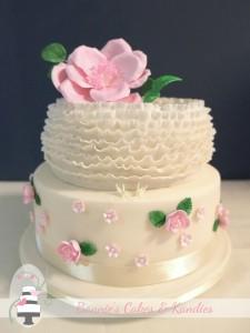 Wedding & special occasion cake decorator Gympie, Rainbow Beach, Sunshine Coast Hinterland