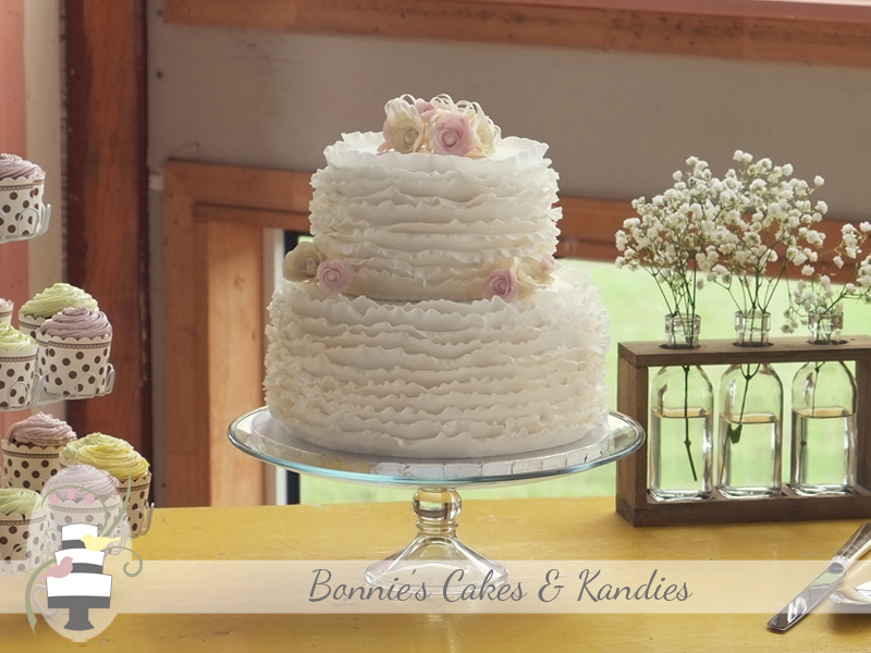 Kenilworth Homestead ruffle wedding cakes