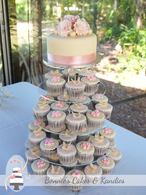Ivory, pink and cream cupcake tower and cutting cake for a beautiful wedding at Rainbow Shores, Rainbow Beach  |  Bonnie's Cakes & Kandies
