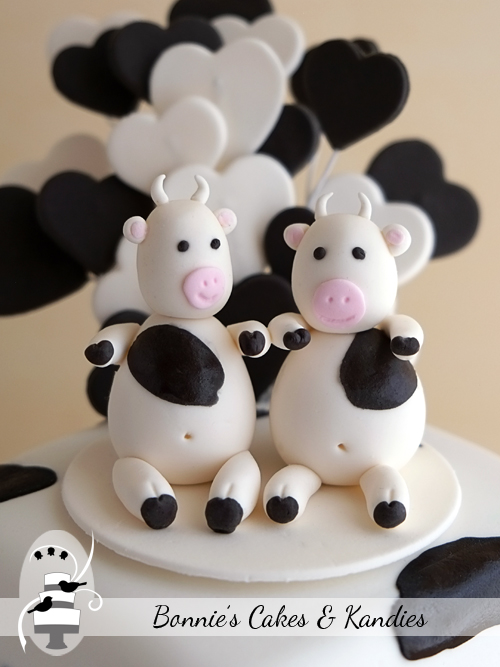 Edible cow cake toppers