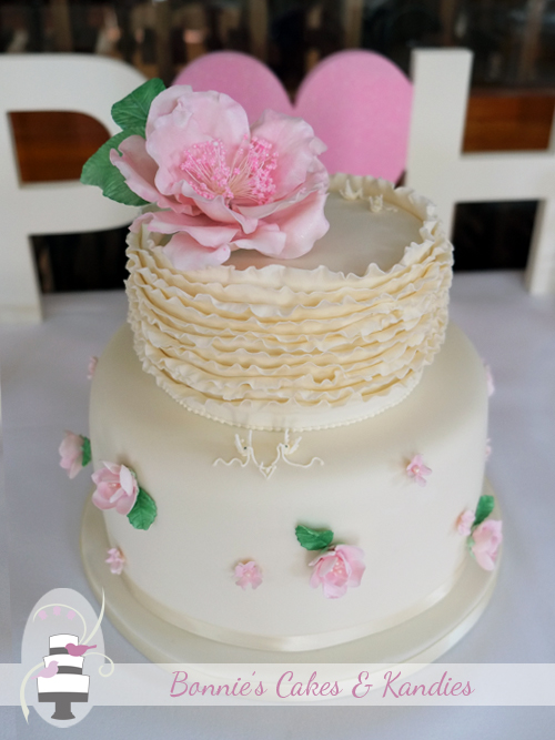 Ruffles and Roses – custom-designed wedding cake for an Autumn wedding at Rainbow Beach  |  Bonnie's Cakes & Kandies