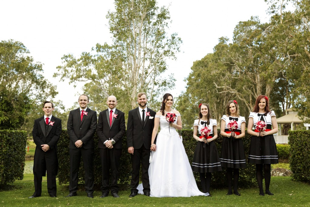 The newlyweds with their bridal party. Photo credit: Michelle Schulga Photographer.
