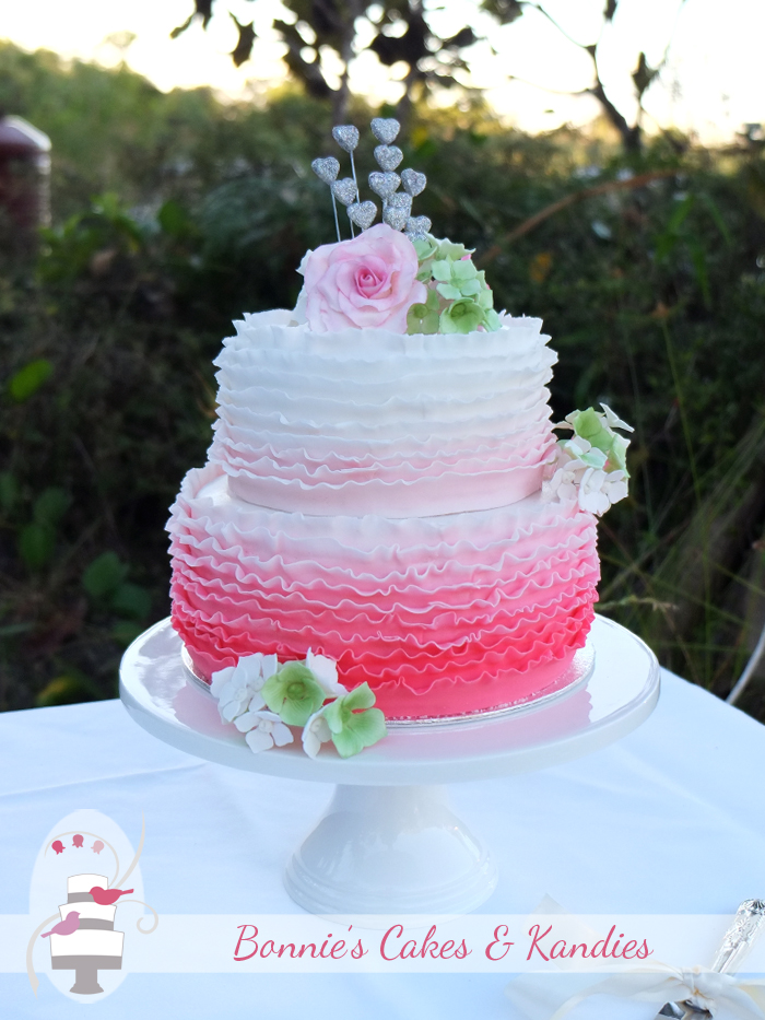 Kingfisher Bay Resort wedding cake