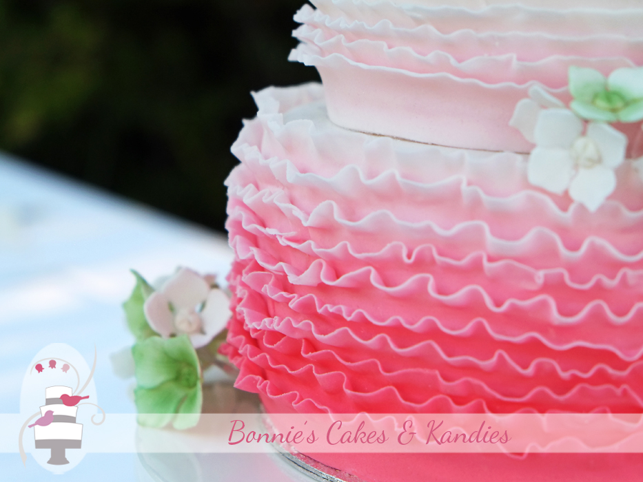 Fraser Island wedding cakes Rainbow Beach wedding cakes