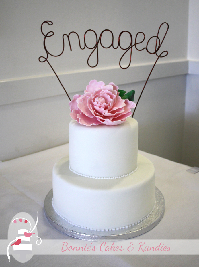 Twin Waters Golf Club Engagement Cake
