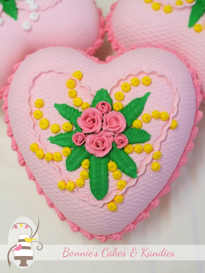 Candy Queen Heart in musk flavour | Bonnie's Cakes & Kandies