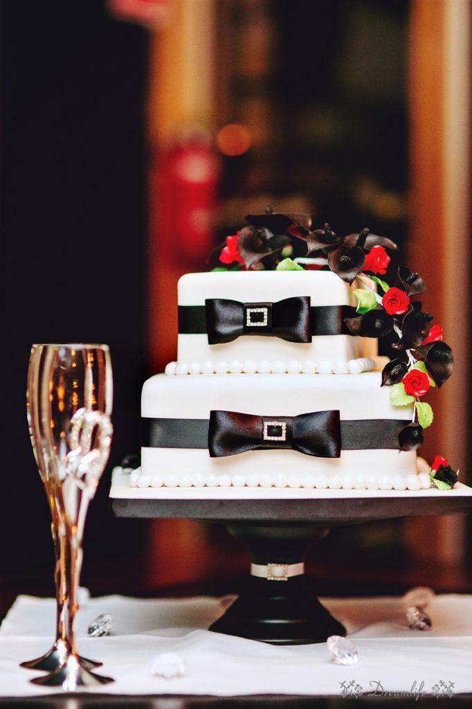 Brisbane wedding cake and photography