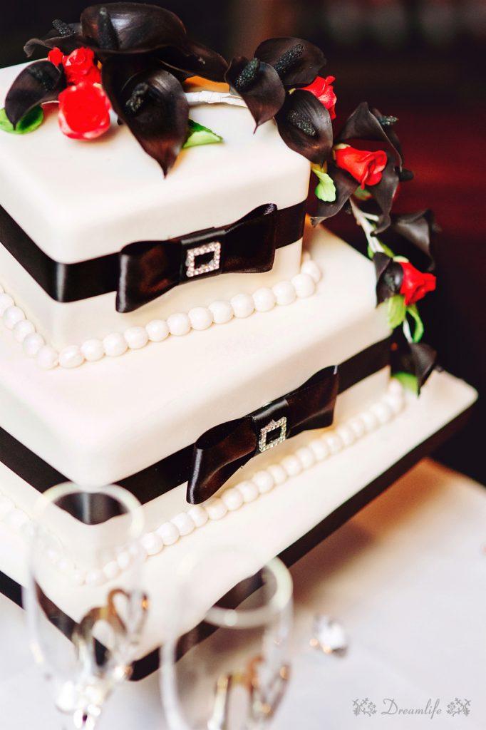 Cake: Bonnie's Cakes & Kandies. Photo credit: Dreamlife Photos & Video (Brisbane)